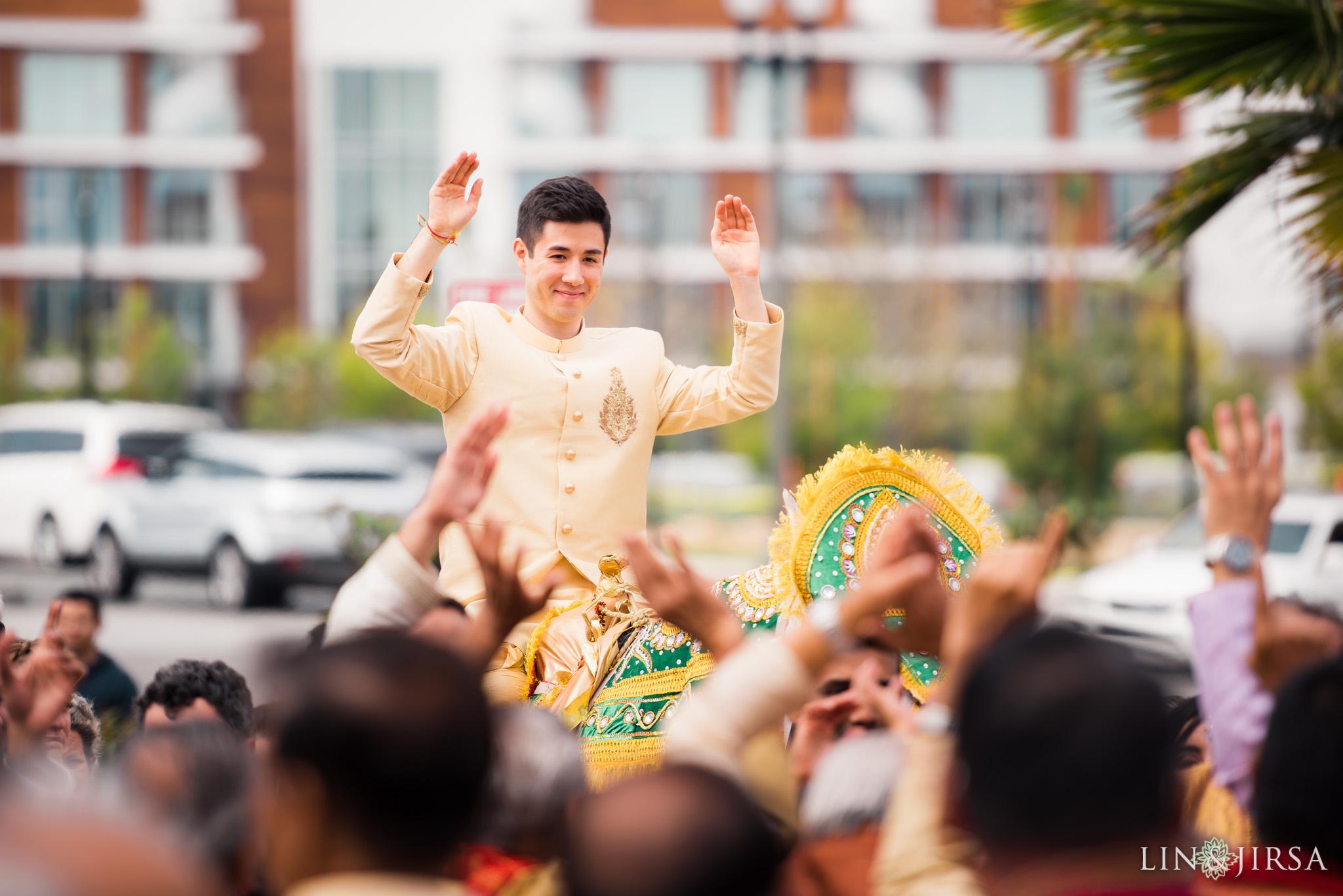 16 pasea hotel and spa huntington beach indian wedding baraat photography