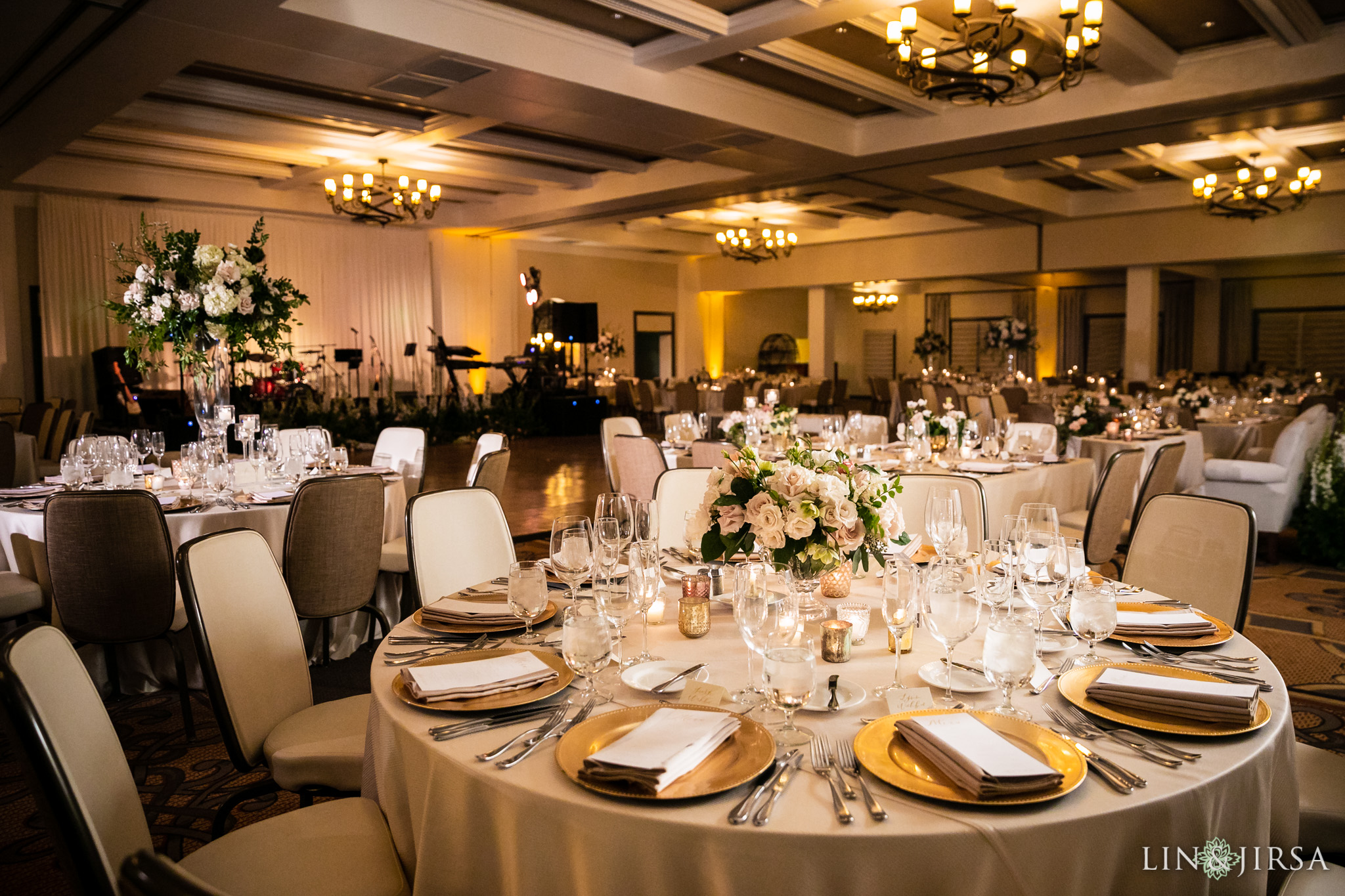 24 estancia la jolla hotel and spa wedding reception photography