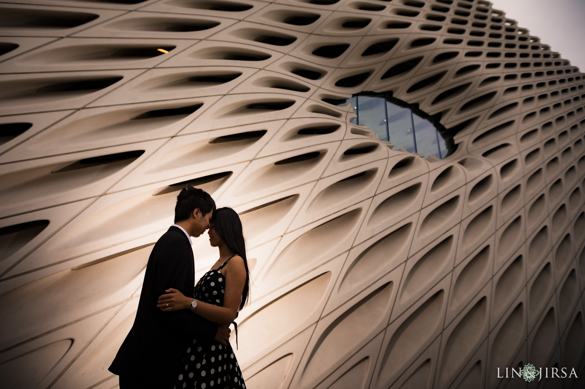 09 the broad museum los angeles engagement photography
