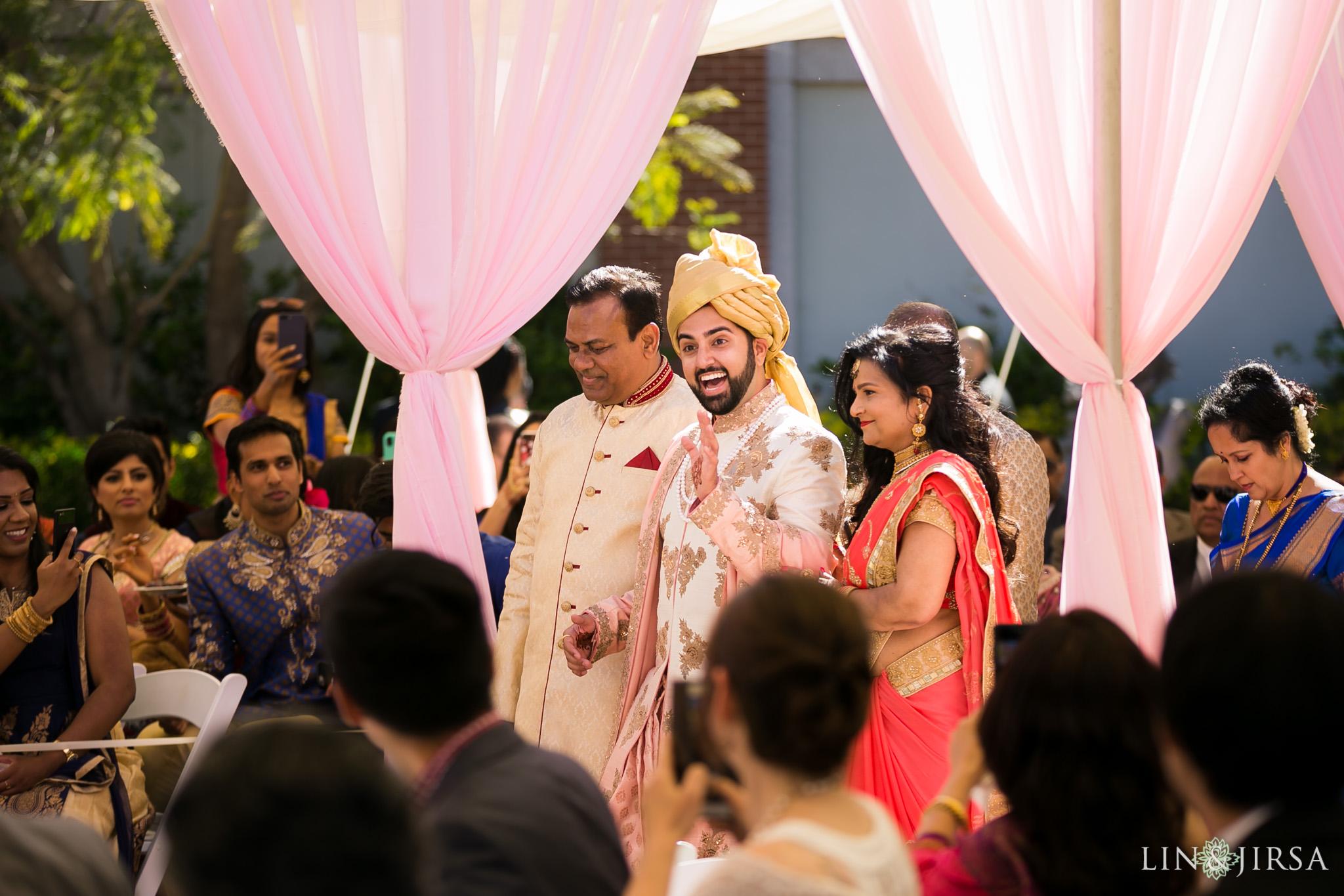 29 four seasons westlake village indian wedding ceremony photography