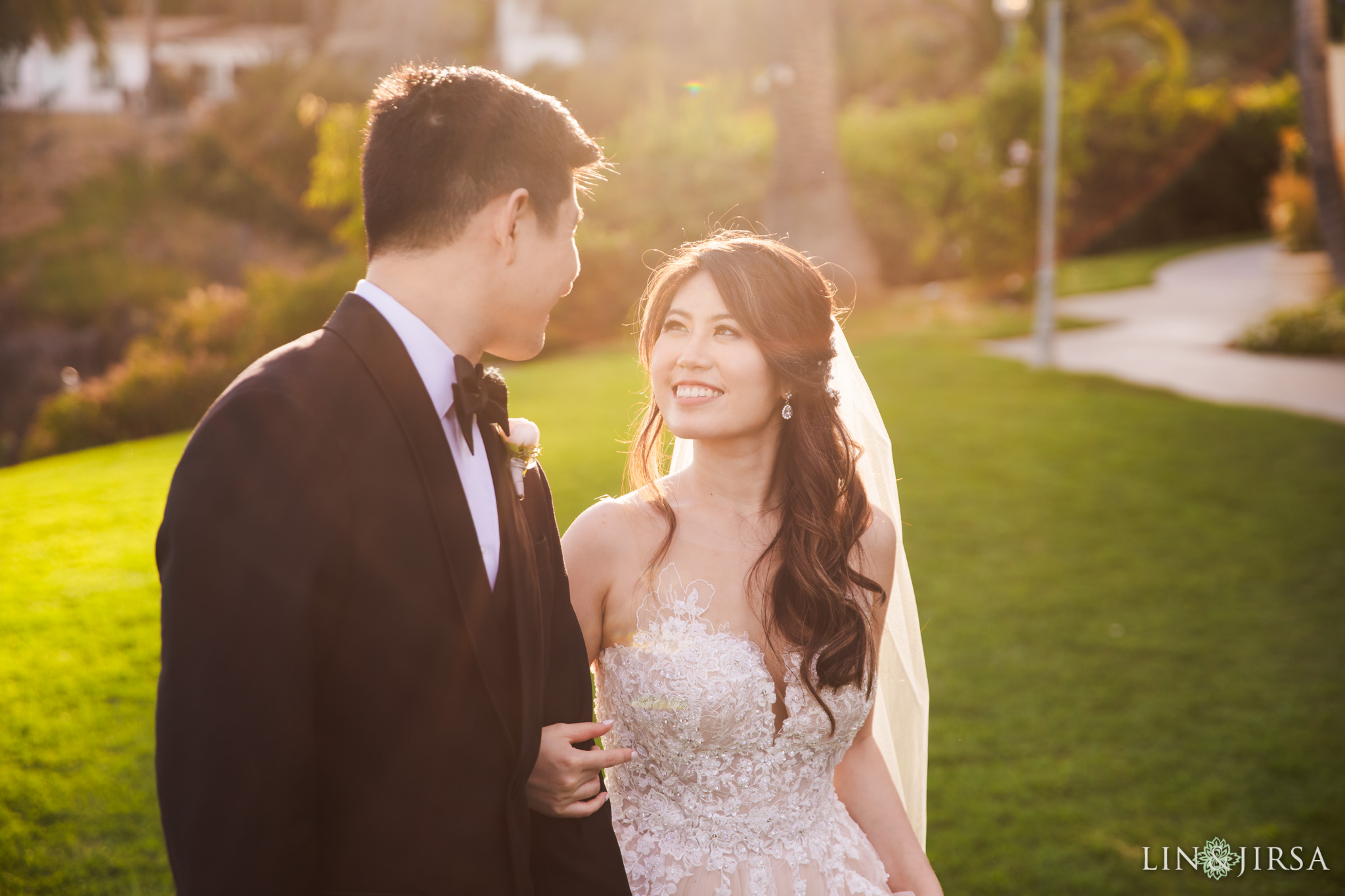 34 bel air bay club malibu newlyweds wedding photography