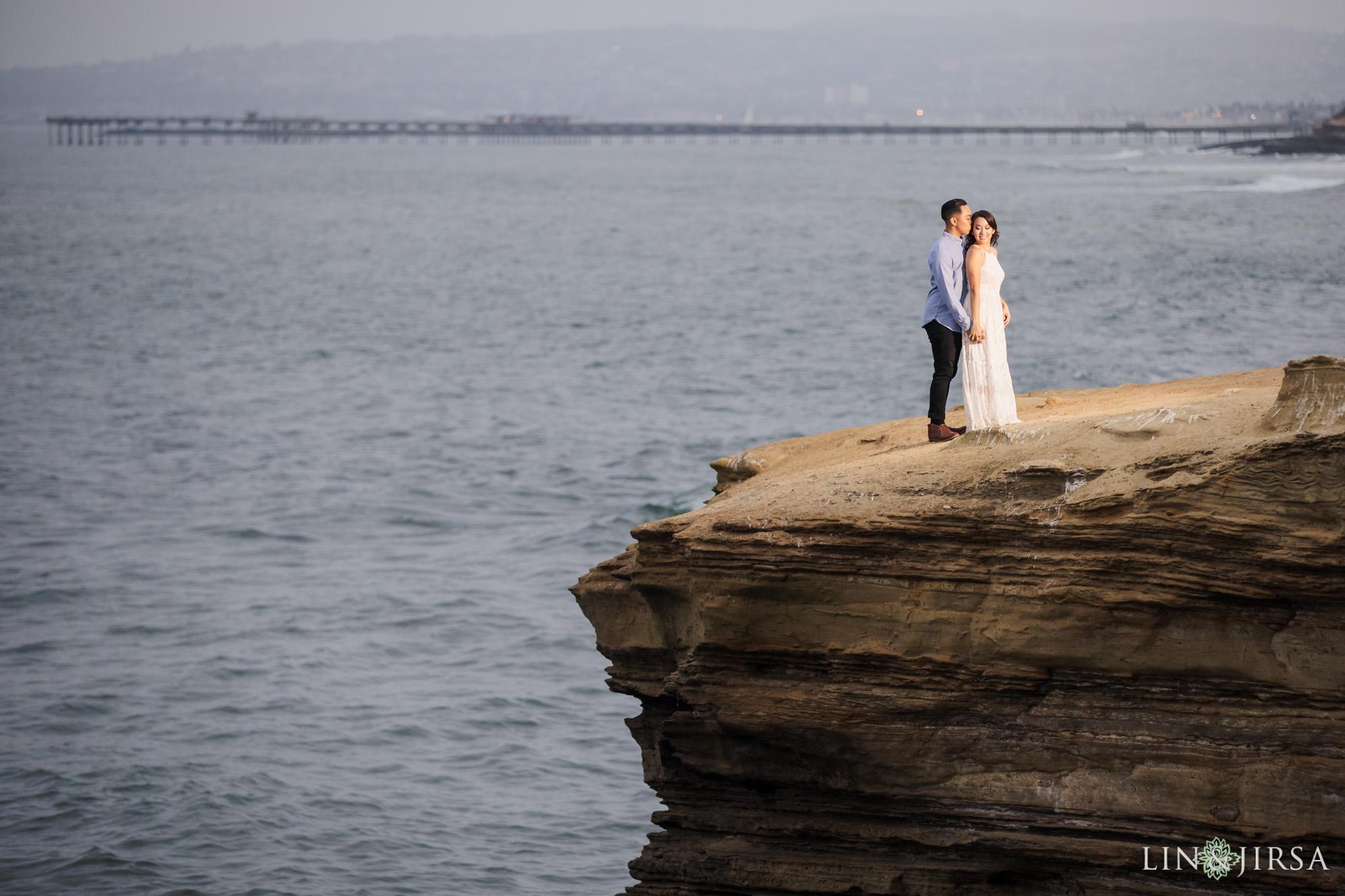 16 san diego beach cliffs engagement photography