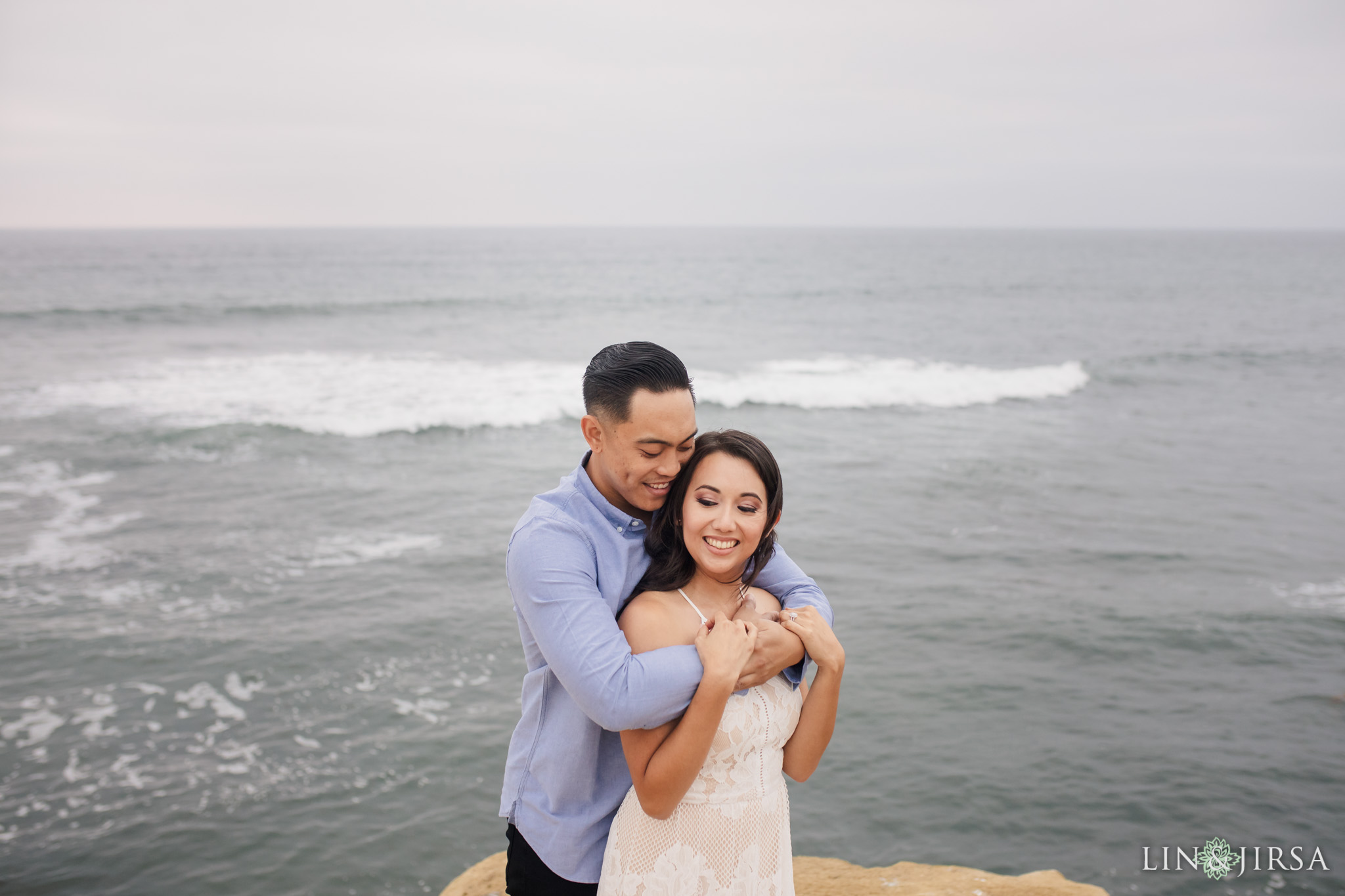 17 san diego beach cliffs engagement photography