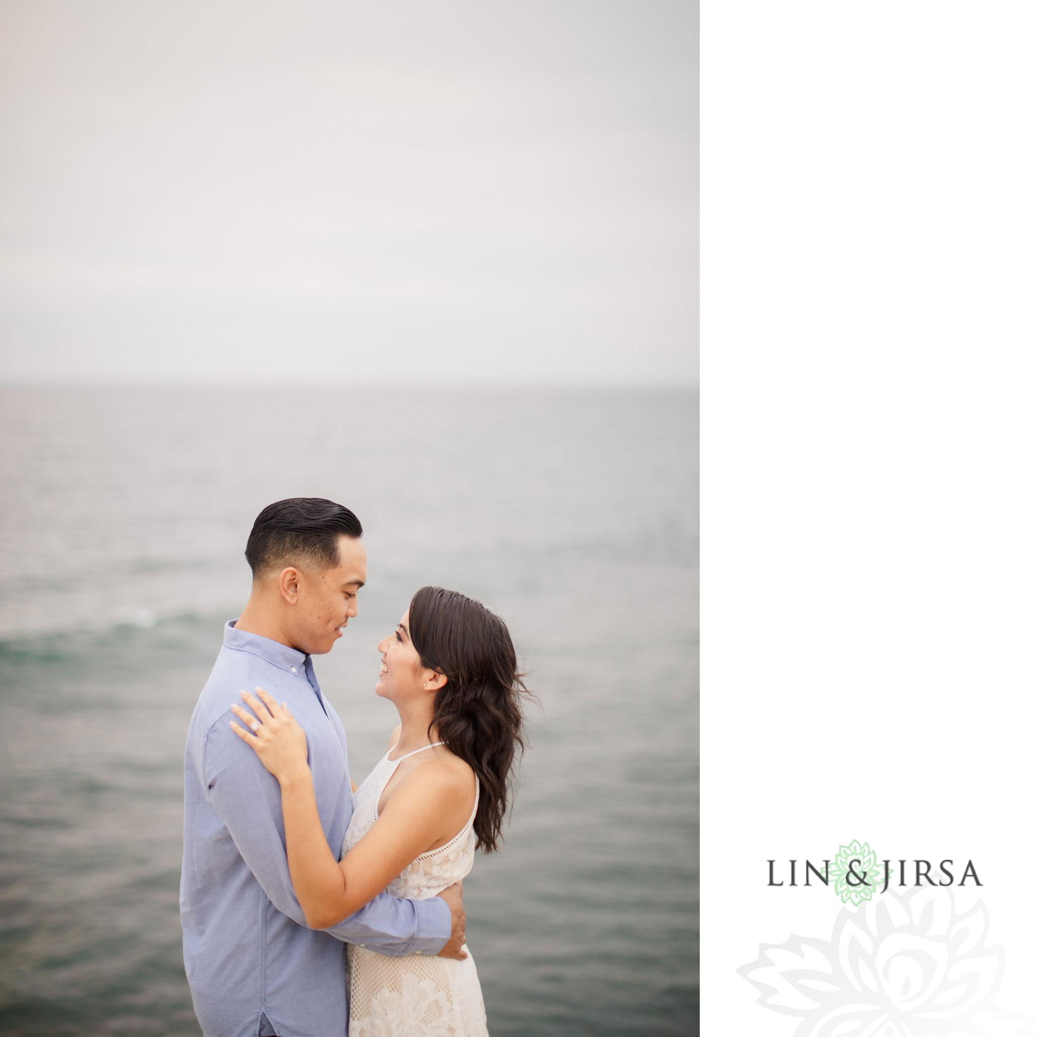 19 san diego beach cliffs engagement photography