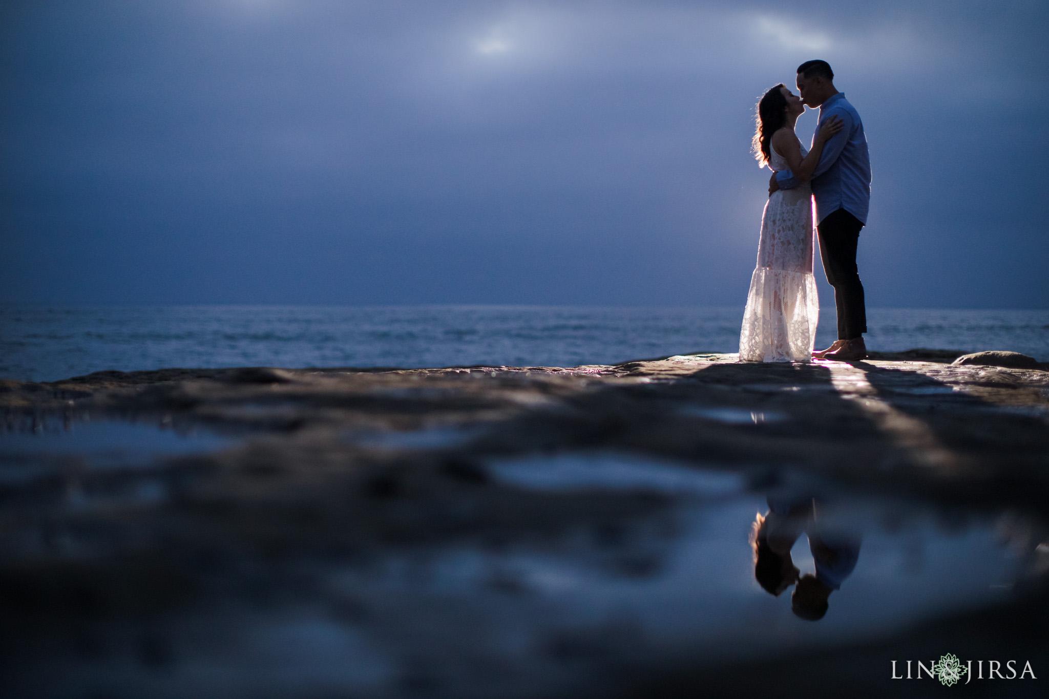 22 san diego beach cliffs engagement photography