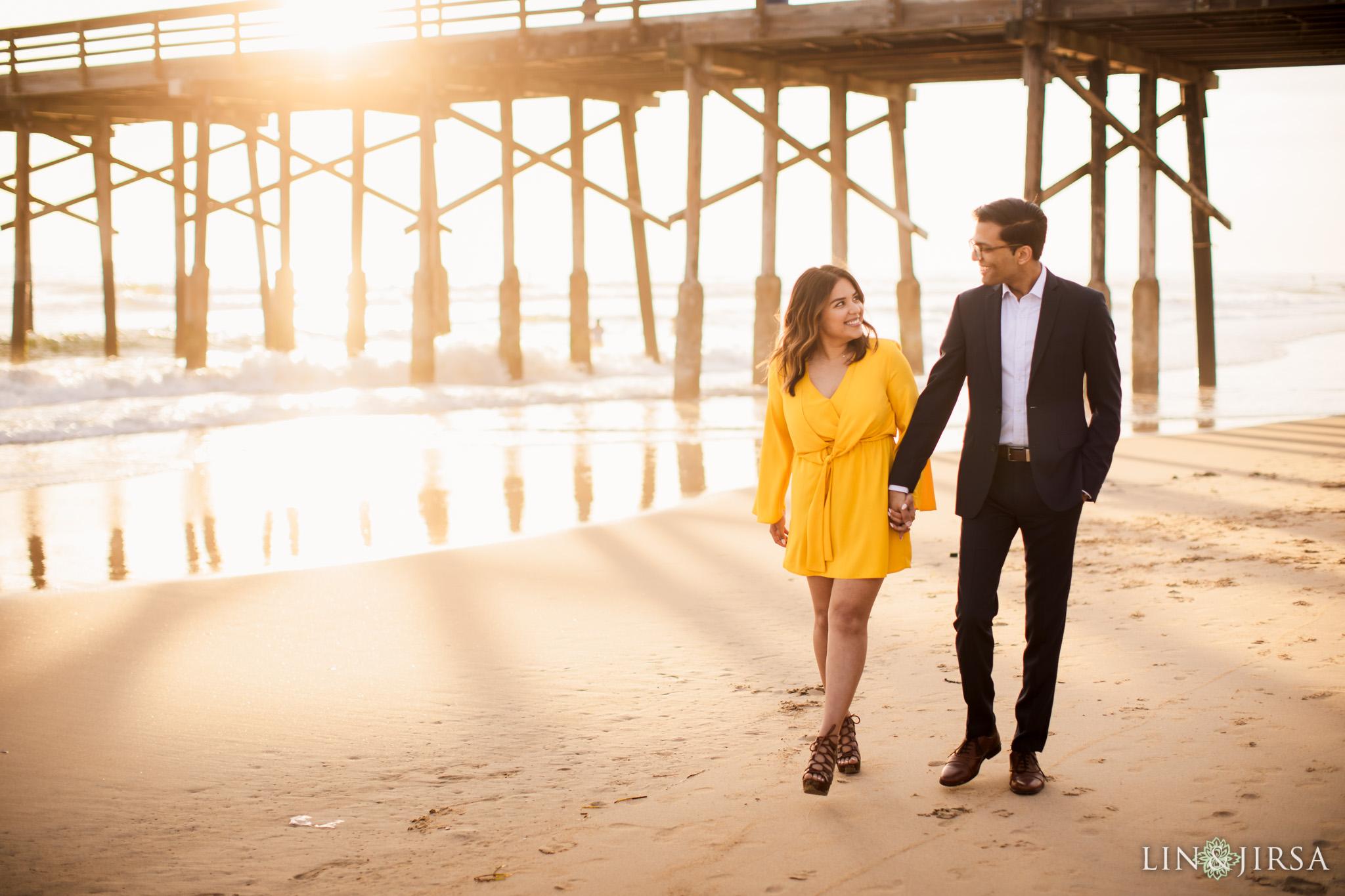 05 Newport Beach Pier Engagement Photography