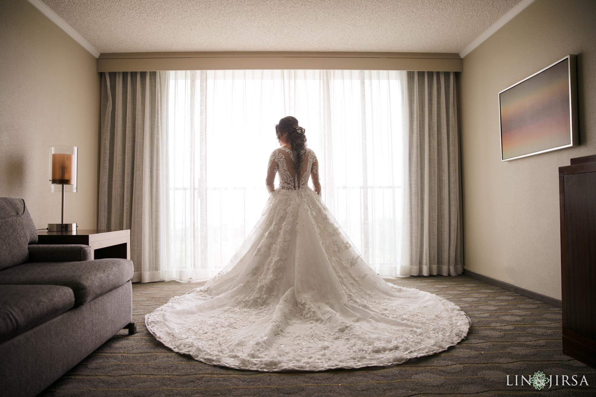 04 The Newport Beach Marriott Hotel Wedding Photography