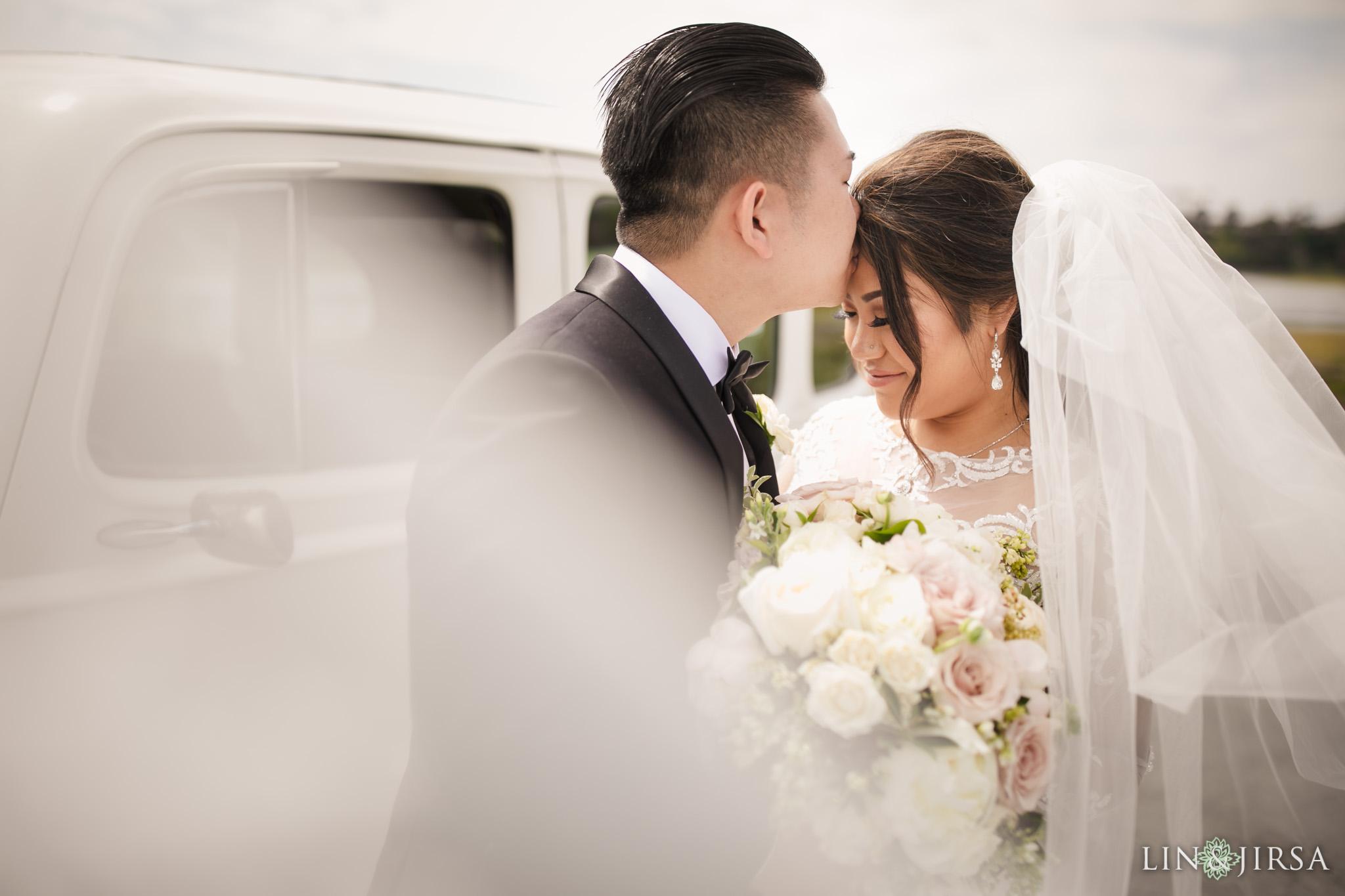 19 The Newport Beach Marriott Hotel Wedding Photography